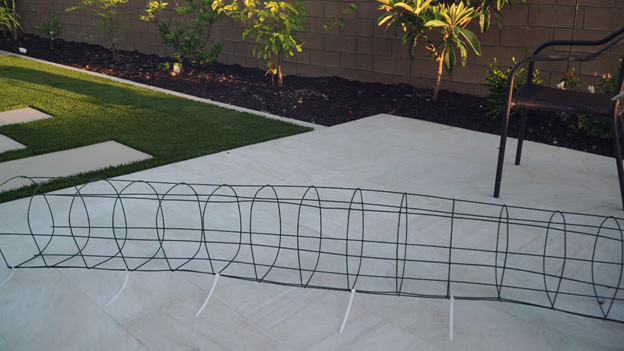 Bending and securing wire remesh sheet